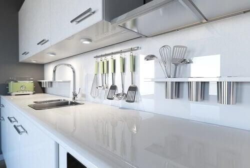 Fem måter å holde kjøkkenet ditt feilfritt på