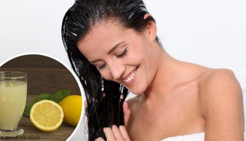 Fire enkle og naturlige måter å fjerne hårfarge på