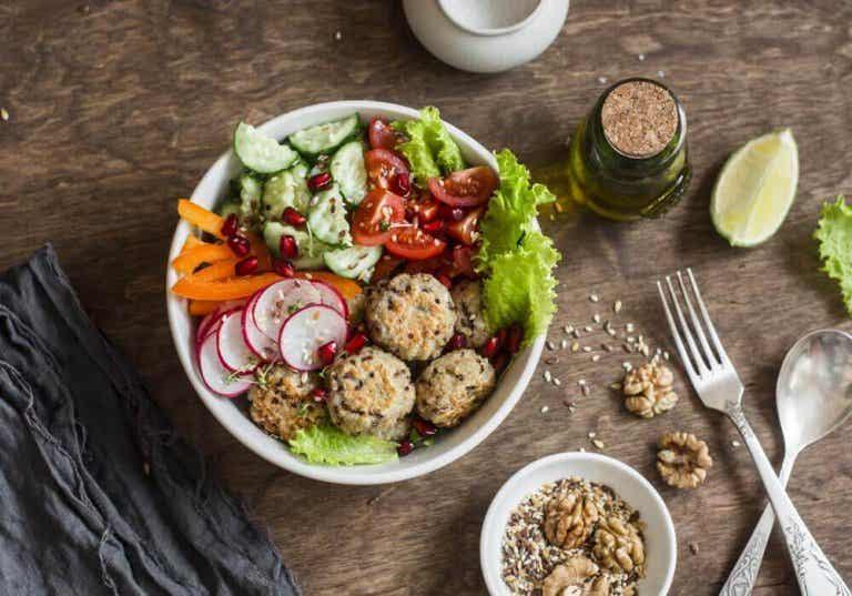 Vegansk oppskrift: Enkle quinoa- og kikertboller