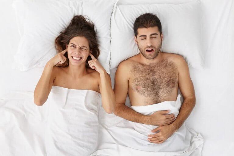 Prøv de beste fem naturlige produktene for å slutte å snorke