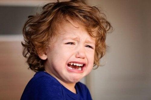 Emosjonelle sår fra barndommen som kan påvirke deg nå