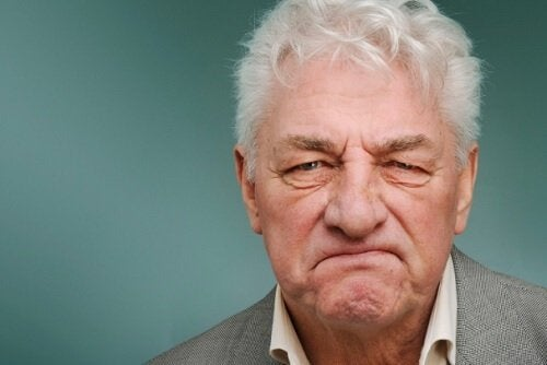 Eldre mann med demens