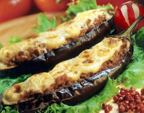 Kjøttfylt aubergine
