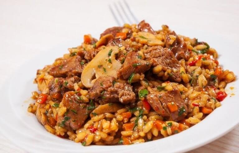 Prøv denne oppskriften på kinesisk ris med kylling og honning