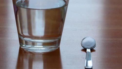 Natron og vann