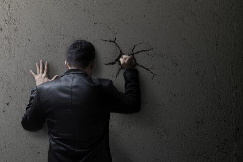 Å undertrykke følelsene dine øker angsten