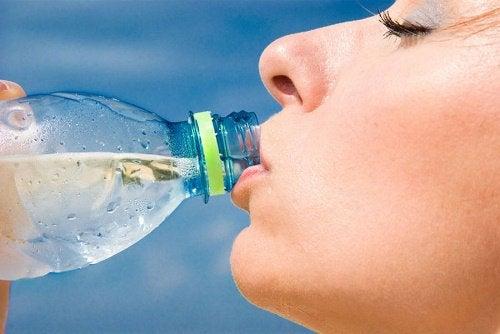 Fordeler med å drikke vann
