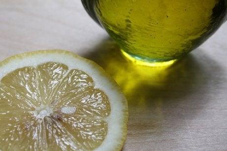 Enkle måter å rense nyrene på: olivenolje og sitron