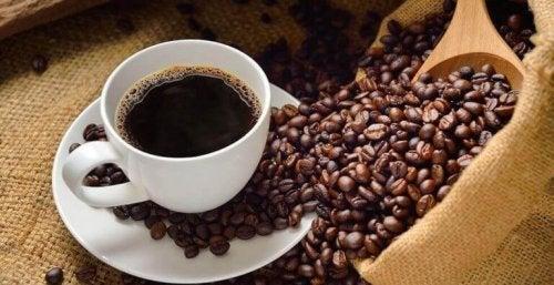 Kaffe og kaffebønner