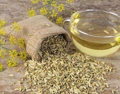 Fennikelfrø-te for behandling av øyekatarr