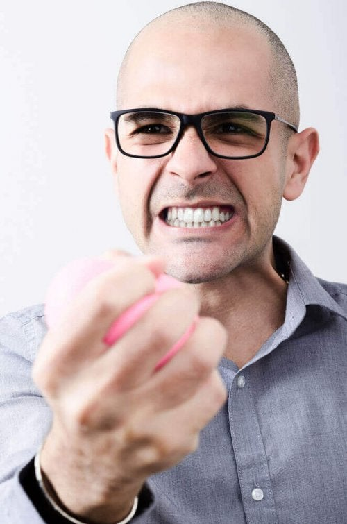 3 hjemmebehandlinger for å få en slutt på tanngnissing