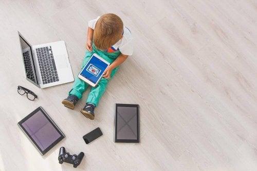 Barn og teknologi