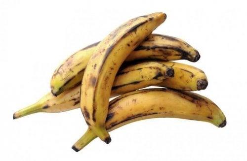 Prøv denne oppskriften på boller med bananer og ost