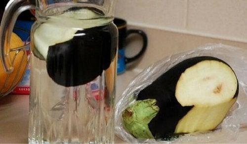 redusere høyt kolestrol med aubergine