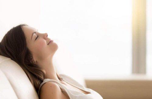 yoga kan hjelpe deg å slappe av