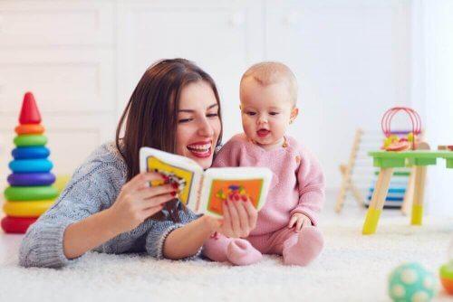 Fem øvelser for å lære barn å snakke
