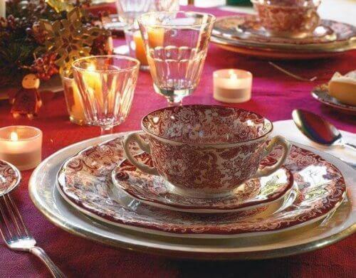 dekorativt middagssett