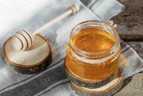 Hvordan puste bedre med næringsrik hvitløkshonning