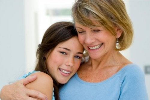 mor og datter glad