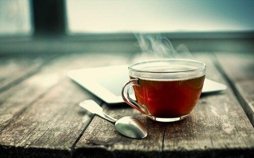 Nanopartikler som dreper lungekreftceller funnet i teblader