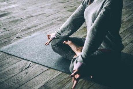 Hvorfor er det bra å trene yoga?