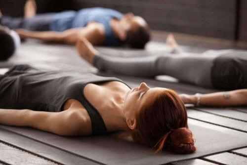 Yoga for nybegynnere: 5 grunnleggende yogaposisjoner