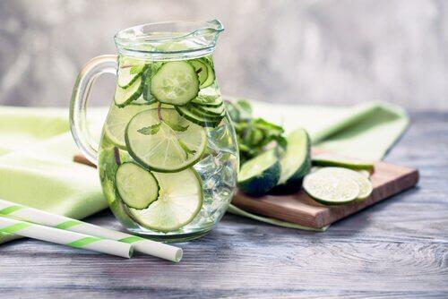 6 fordeler med agurkjuice