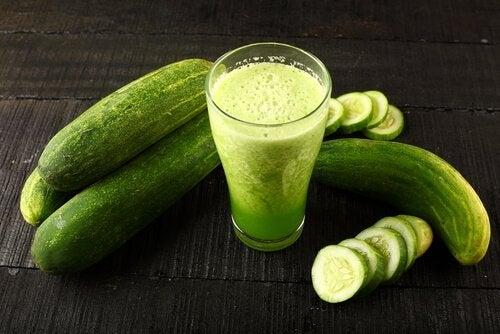 6 fordeler med agurkjuice som du ikke vil gå glipp av
