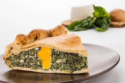 Lær hvordan du lager en sunn pai med spinat og bladbete