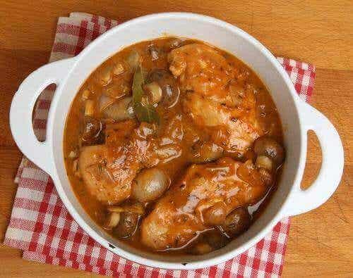 Sunn kylling glasert med sherry og sopp