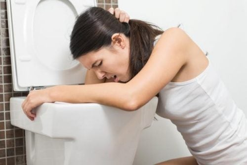 8 symptomer som kan varsle deg om nyresteiner