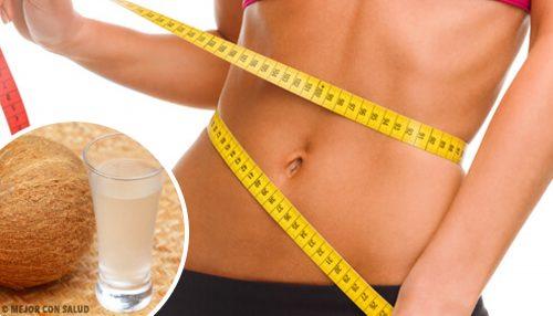 Kokosvann: flatere mage og andre fordeler