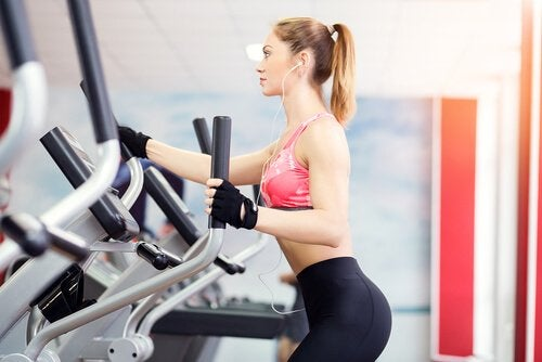 Ellipsemaskiner er en av de beste øvelsene for vekttap