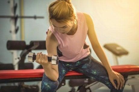 Gjør regelmessig fysisk trening