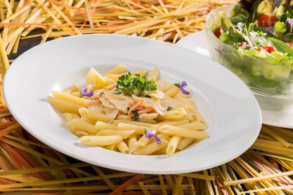 Lær å lage en kremet pastarett uten fløte eller ost