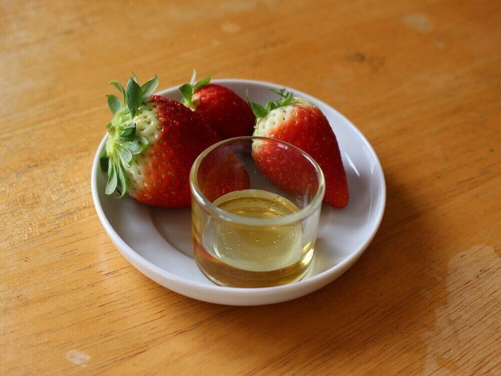 Jordbær og olivenolje mot akne-arr