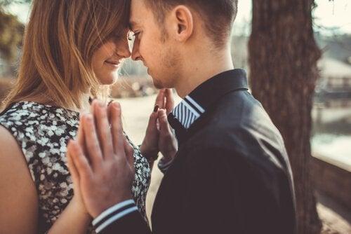 forelsket par - den ideelle typen kjærlighet