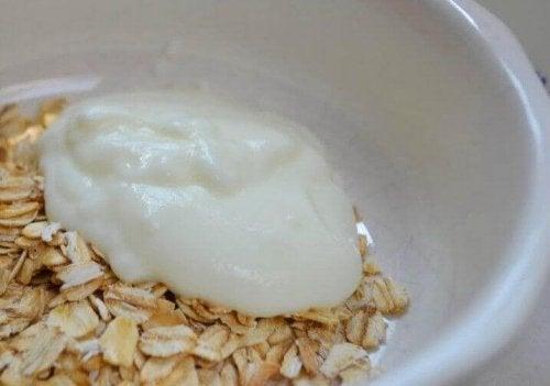 Havre og yoghurt