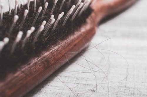 Råd for å behandle flekkvis hårtap naturlig