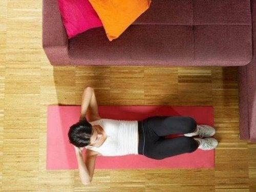 5 enkle måter å trene magemusklene dine på