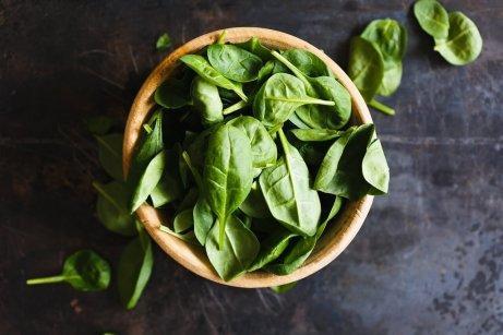 Grønne bladgrønnsaker er bra for øyehelsa di