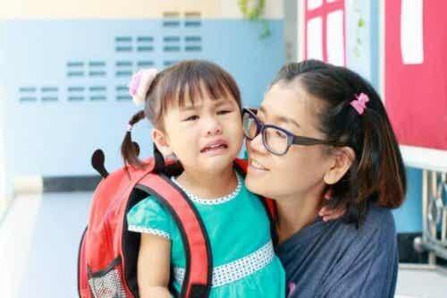 Et barns første skoledag: Syv feil foreldre gjør