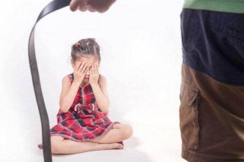 Fysisk avstraffelse av barn: Hvilke konsekvenser får det?