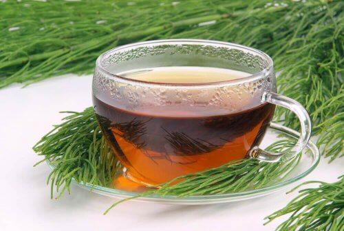 Infusjon av kjerringrokk og grønn te