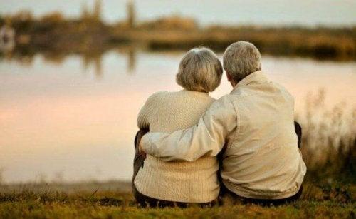 Kjærlighet mellom dette voksene paret, betyr mest i livet deres.
