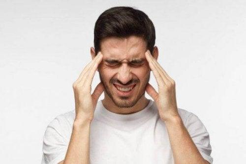 Lær hvordan du kan redusere spenningshodepine naturlig