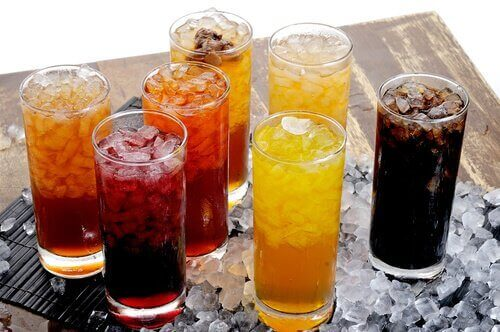 Drikke som saft og brus, er de farlige?