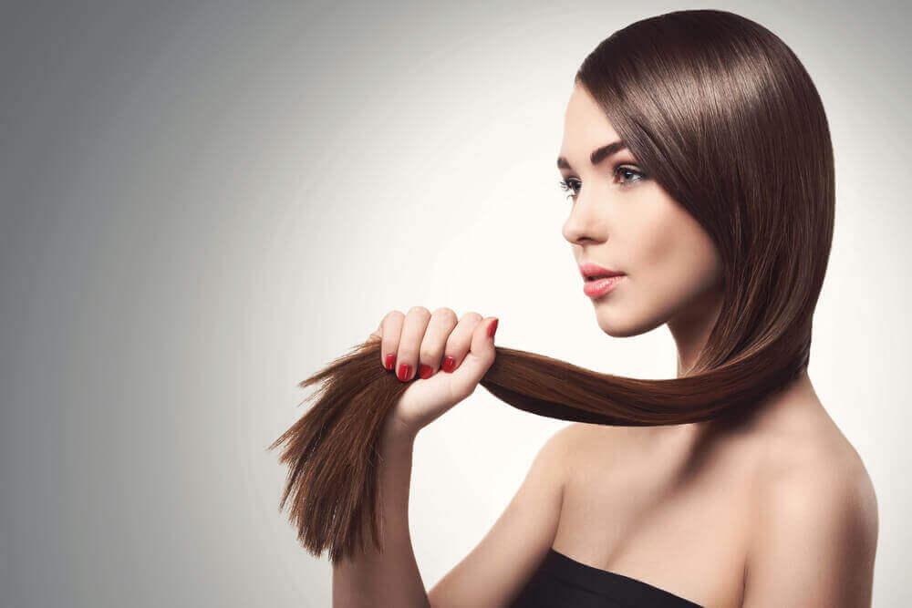 5 naturlige måter å styrke fint hår på