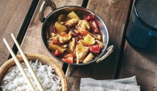 Smakfull sursøt kylling i kinesisk stil