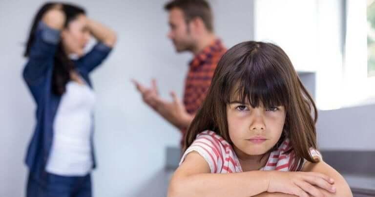 effekter det å krangle hjemme kan ha på barnet ditt